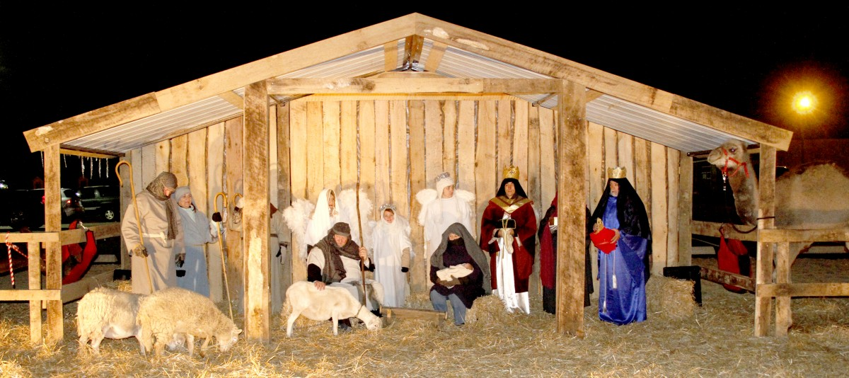 Despite the frigid temperatures Monday night, members of Lexington First United Methodist Church shared the true meaning of Christmas with the City of Lexington through their nativity scene, which featured live animals, including a camel, donkey, sheep, and lamb. Photo by Brooke F. James / The Lexington Progress