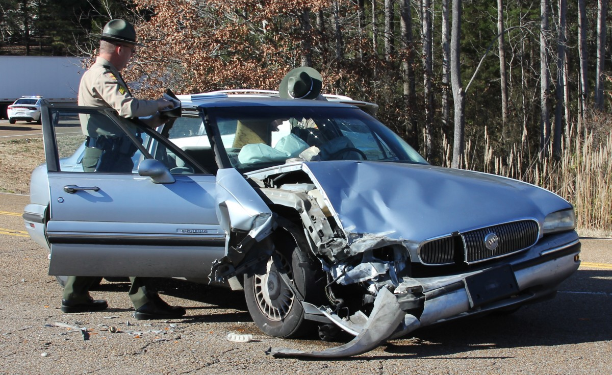 Minor Collision at Highway 100 and Highway 22 Crossing