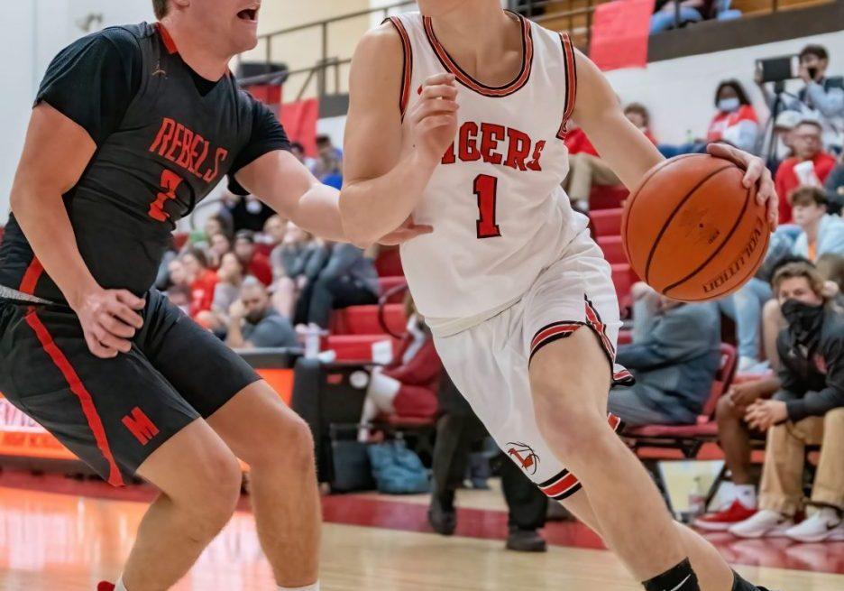 Lexington High School Big Red Tigers Basketball Photo by: Phil Blakley / The Lexington Progress